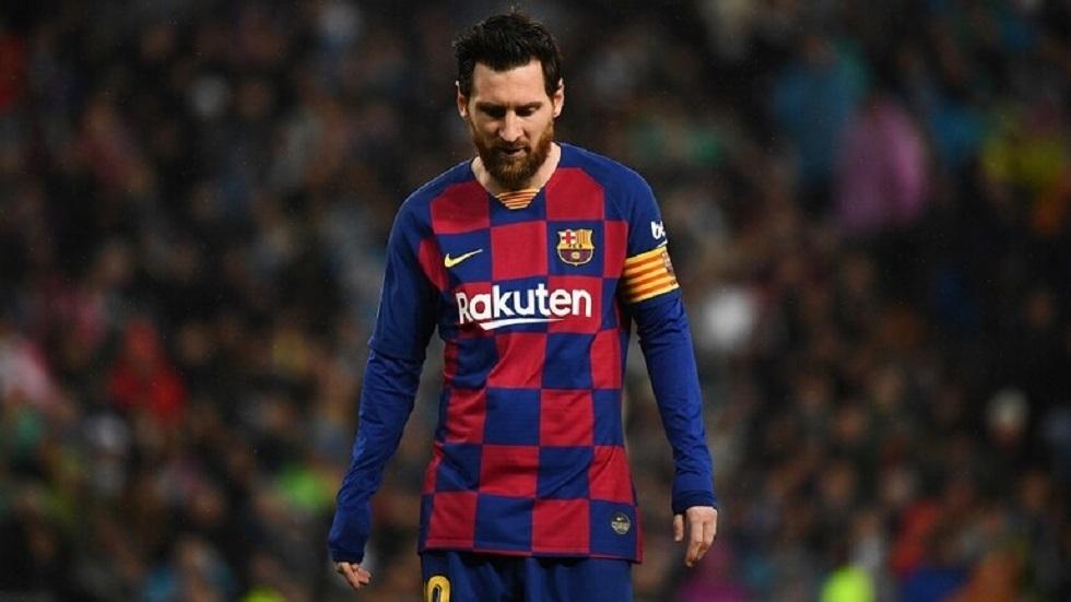 برشلونة يقرر تخفيض رواتب لاعبيه بمن فيهم ميسي
