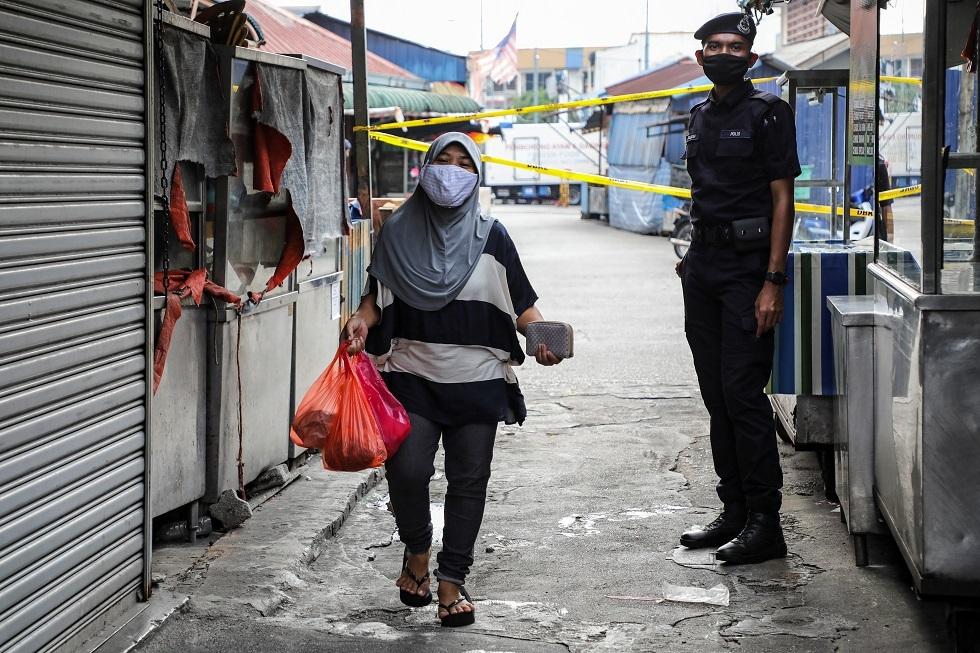 كورونا.. ارتفاع حالات الوفاة إلى 26 وتسجيل 130 إصابة جديدة في ماليزيا