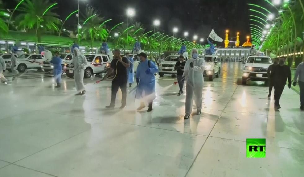 شاهد.. عمليات التعقيم في العتبة الحسينية وسط توقف السياحة الدينية