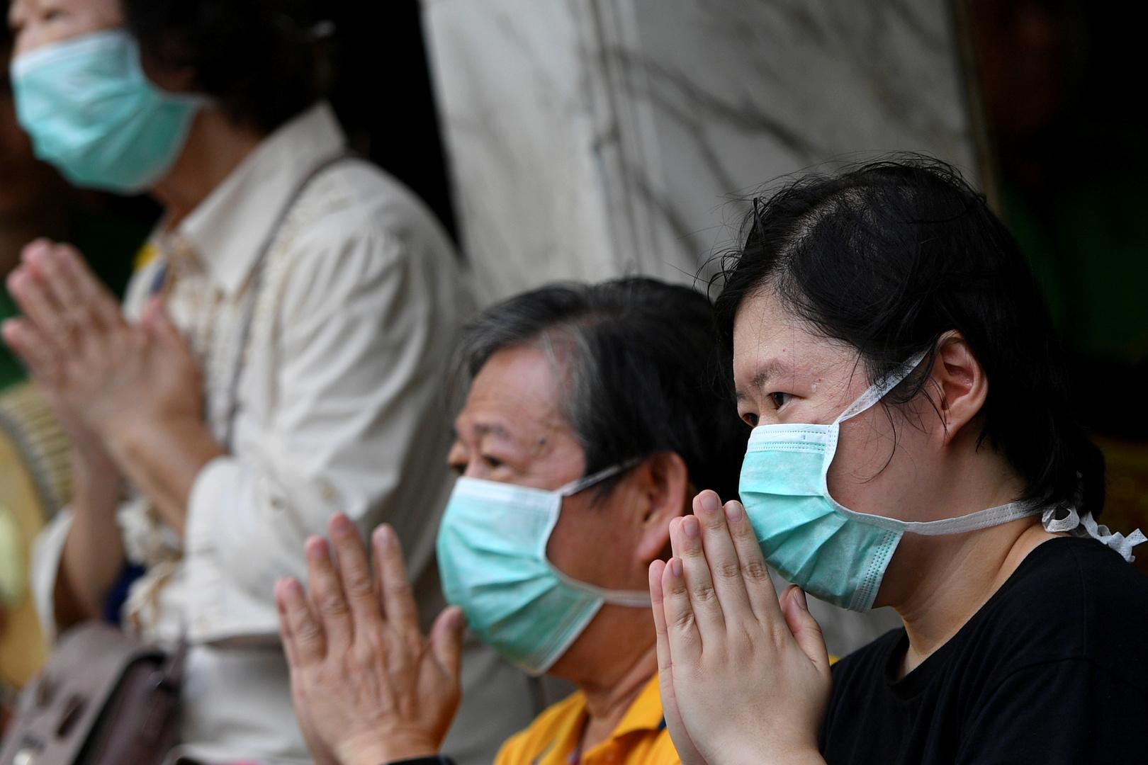 تايلاند تغلق مزيدا من المواقع العامة بعد تجاوز إصابات كورونا الـ1100