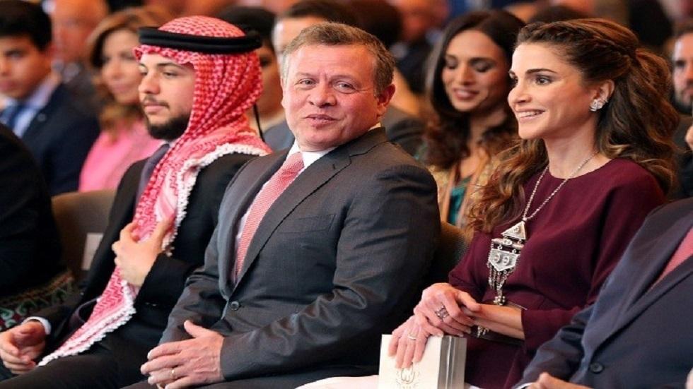 العاهل الأردني الملك عبد الله الثاني وعقيلته الملكة رانيا وولي العهد الأمير الحسين