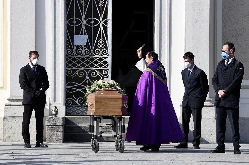 ضحايا كورونا في إيطاليا