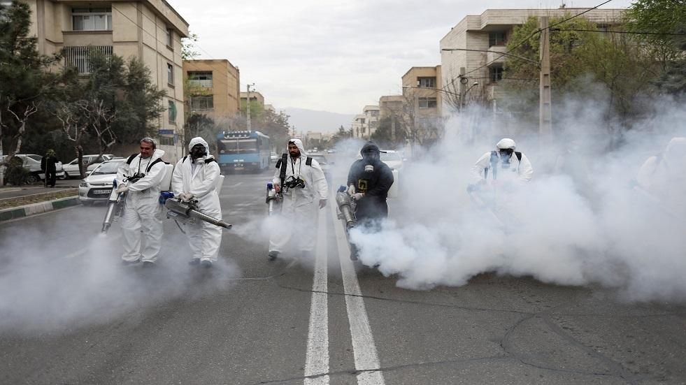 حملة لتعقيم شوارع طهران