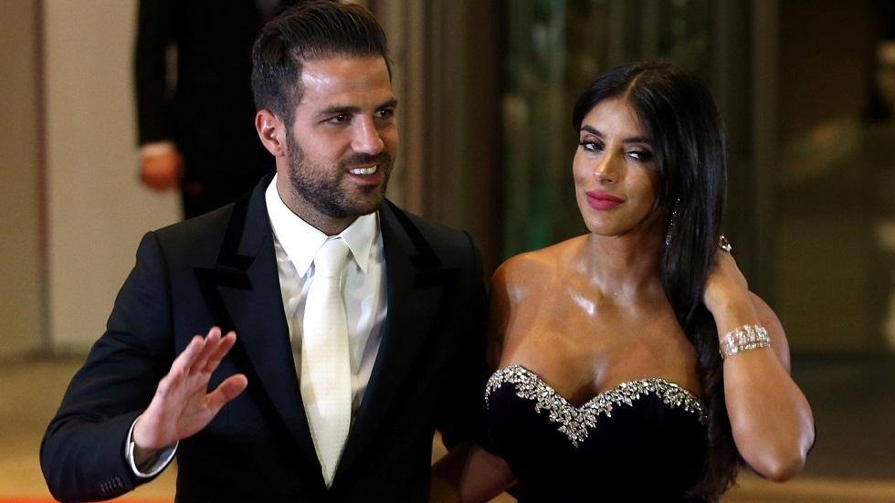 شاهد.. فابريغاس وزوجته اللبنانية يؤديان رقصة مميزة على أنغام شاكيرا  (فيديو)