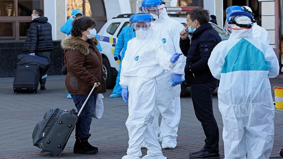 استقبال مواطنين أوكرانيين تم إجلاؤهم من بولندا في خضم تفشي فيروس كورونا