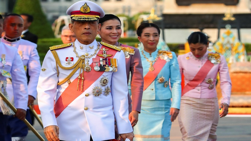 بسبب كورونا.. ملك تايلاند