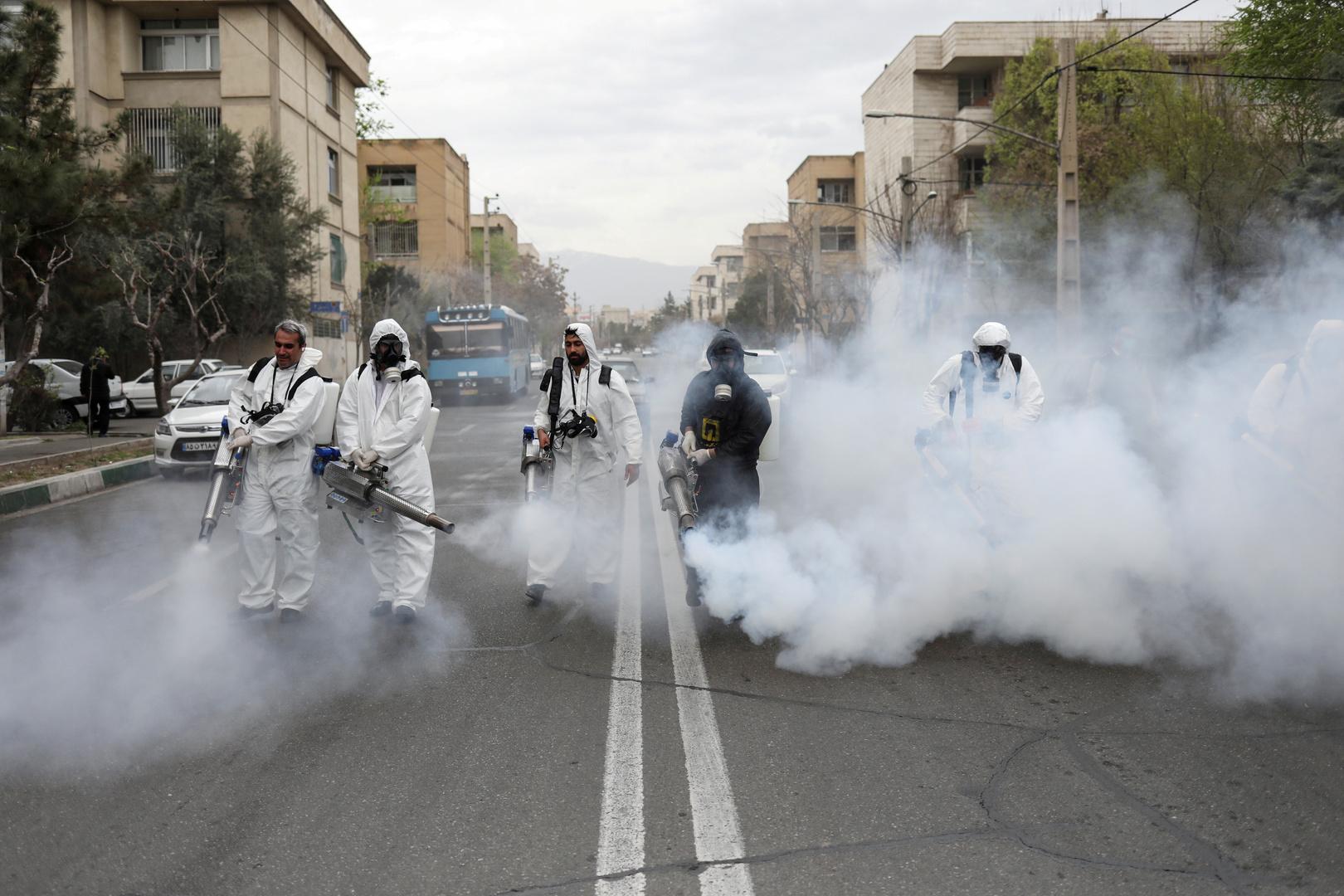 عماية تطهير صحي في شوارع طهران