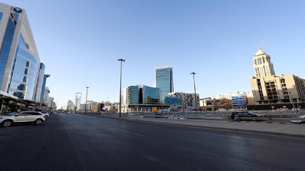 أحد شوراع العاصمة الرياض في فترة حظر التجوال
