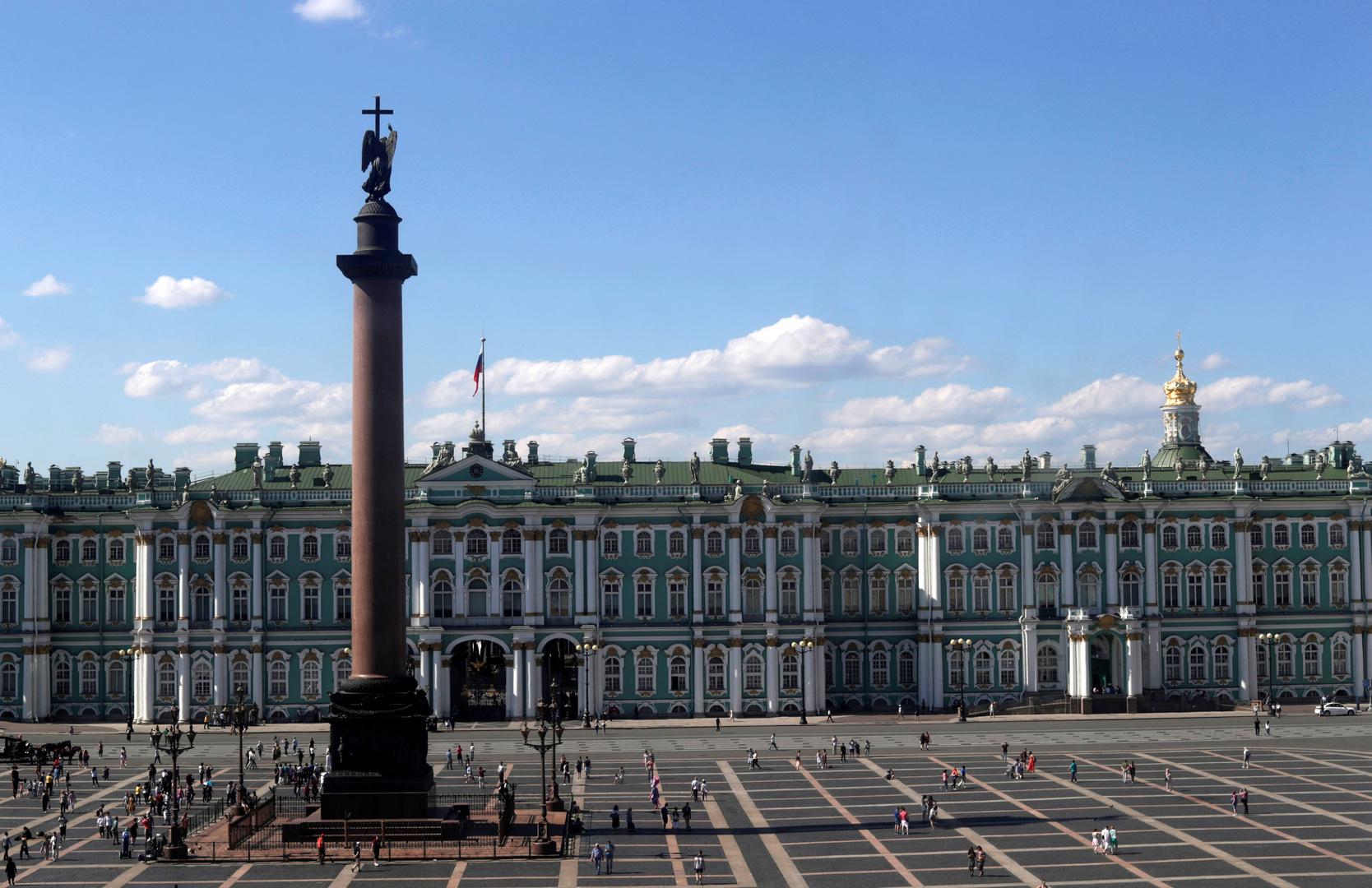 سلطات سان بطرسبورغ الروسية تعلن فرض نظام الحجر الذاتي العام في المدينة ضمن إجراءات ردع تفشي كورونا