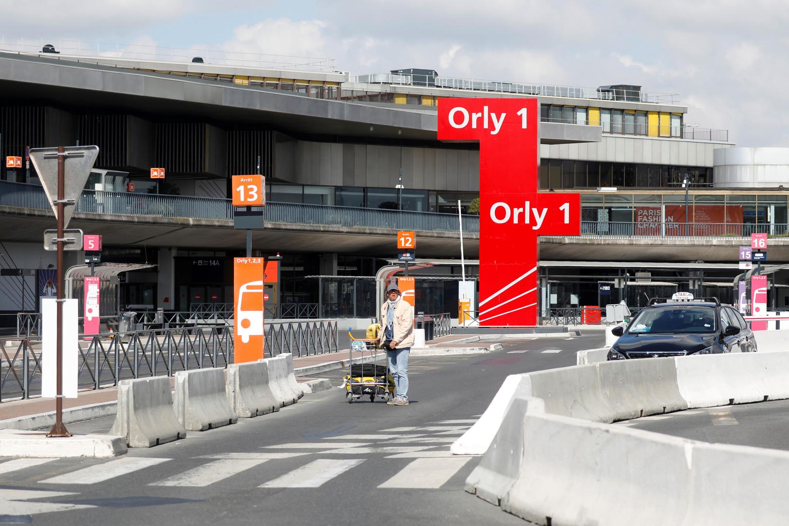 مراسلتنا: مطار أورلي الدولي بباريس يغلق أبوابه لأول مرة في تاريخه