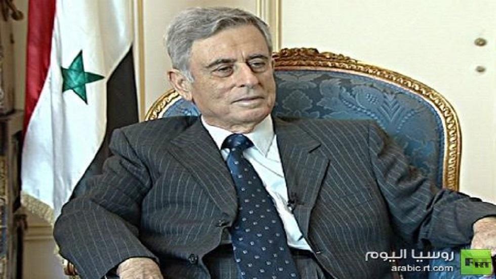 عبد الحليم خدام.. نجح في تسليم السلطة للأسد وأخفق في إقصائه