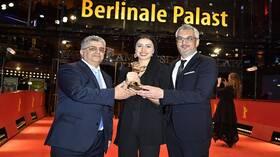 مخرج إيراني يفوز بجائزة
