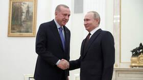 القمة الروسية التركية حول سوريا.. بوتين يدعو لتجاوز التوتر وأردوغان يشير إلى متانة العلاقة مع روسيا