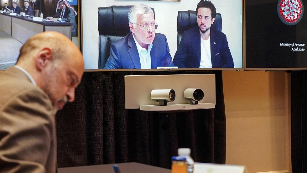 العاهل الأردني الملك عبد الله الثاني في الاجتماع الحكومي عبر خاصية الاتصال المرئي