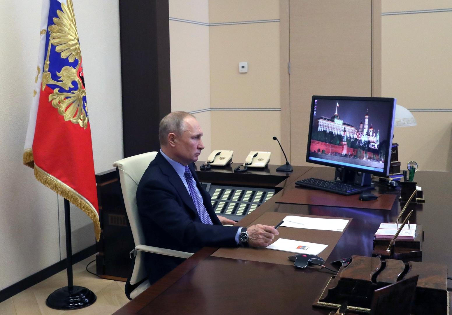 بوتين يقرّ عقوبة بالسجن أقصاها 7 سنوات لمخالفي الحجر الصحي