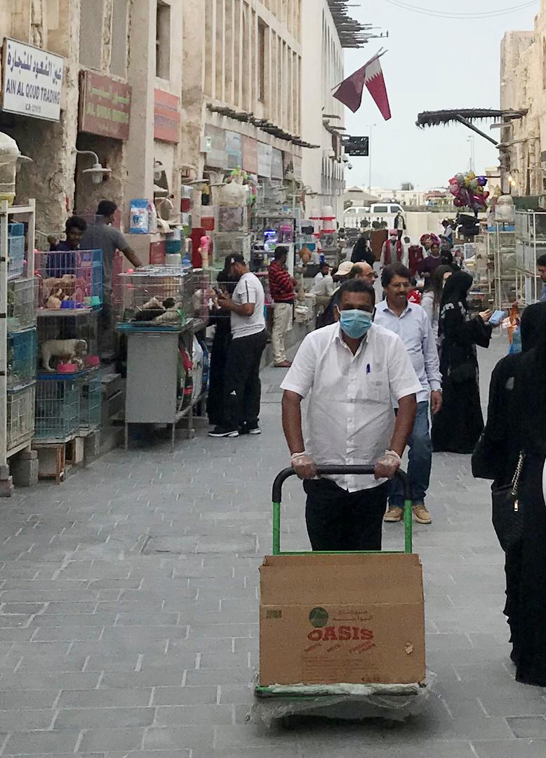 قطر تعلن عن ثالث حالة وفاة و114 إصابة جديدة