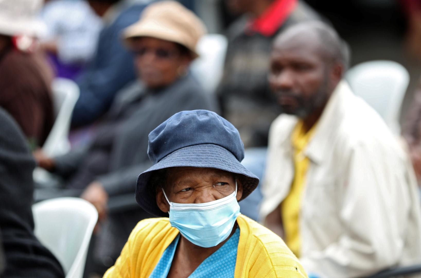 الكشف عن نوايا فرنسية لتجربة لقاح ضد كورونا في إفريقيا يثير جدلا