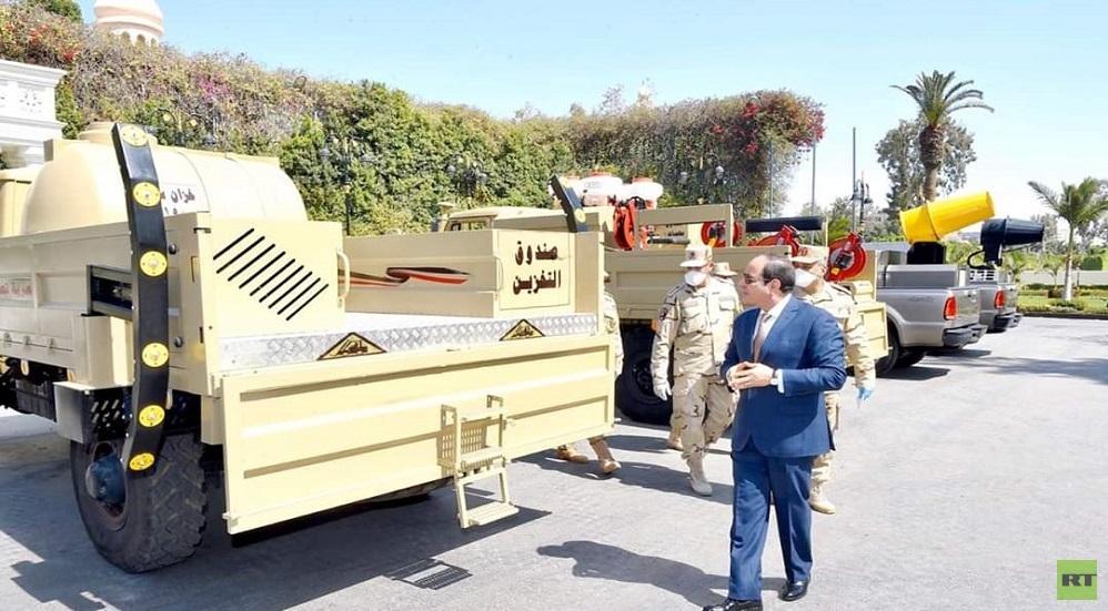 السيسي يتفقد معدات طورها الجيش لمكافحة فيروس كورونا
