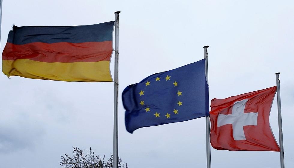 بين سويسرا وألمانيا.. كورونا يفرق بين العائلات والأحبة والأصدقاء