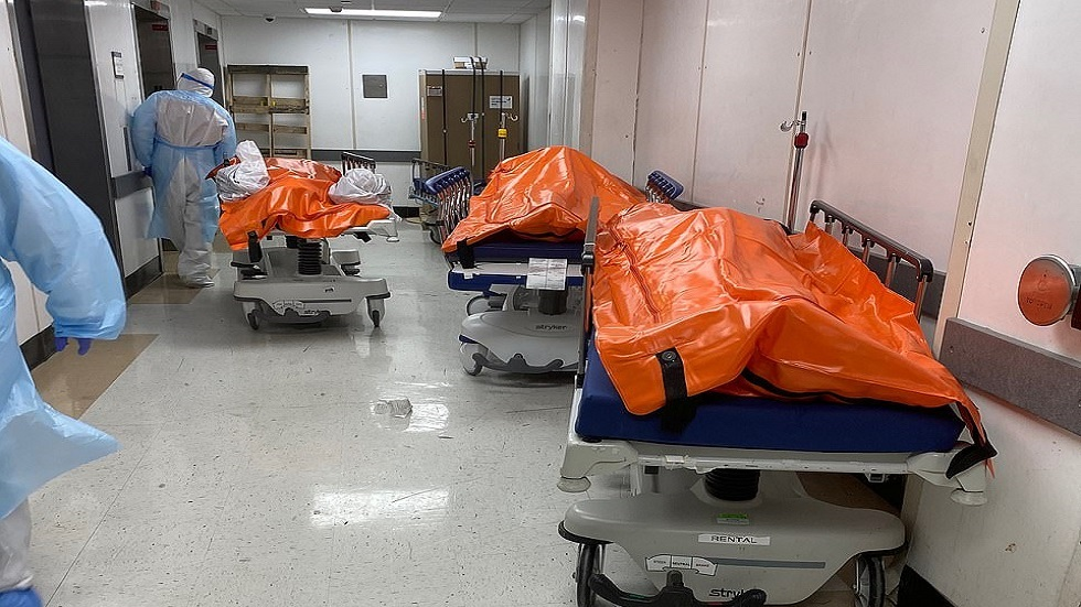 مشهد مؤلم.. صور متداولة لأكياس جثث ضحايا كورونا في بؤرة الوباء بأمريكا