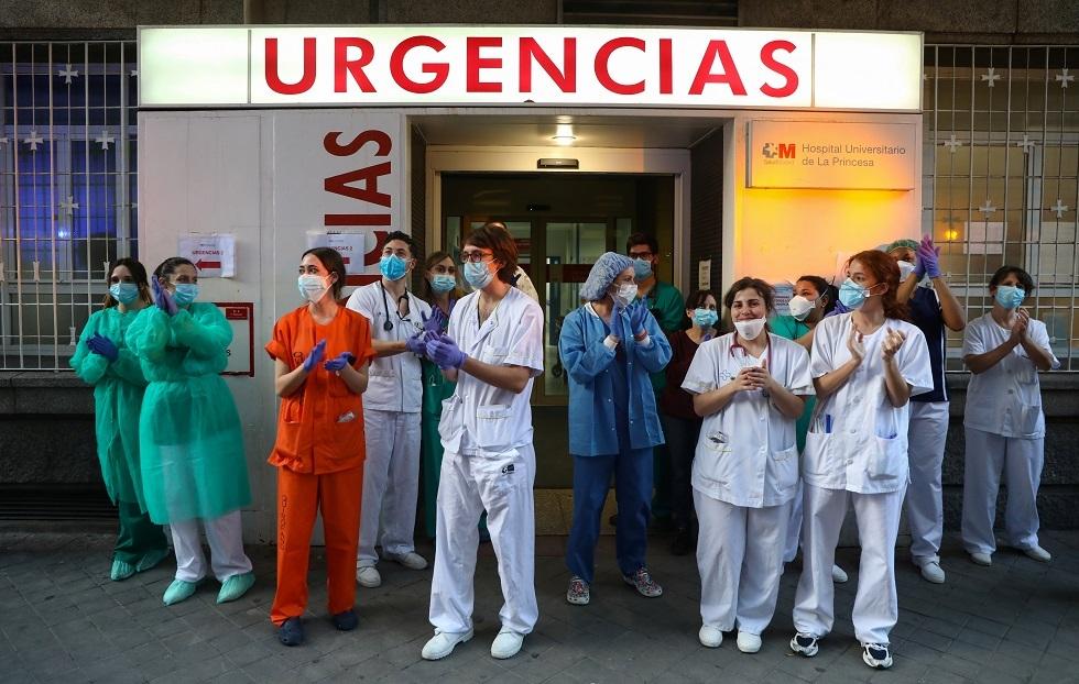 فرق طبية في إسبانيا