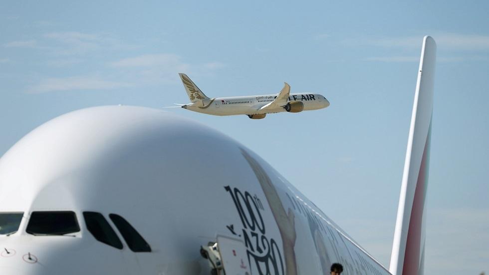 طائرة الخطوط الجوية الإماراتية - أرشيف