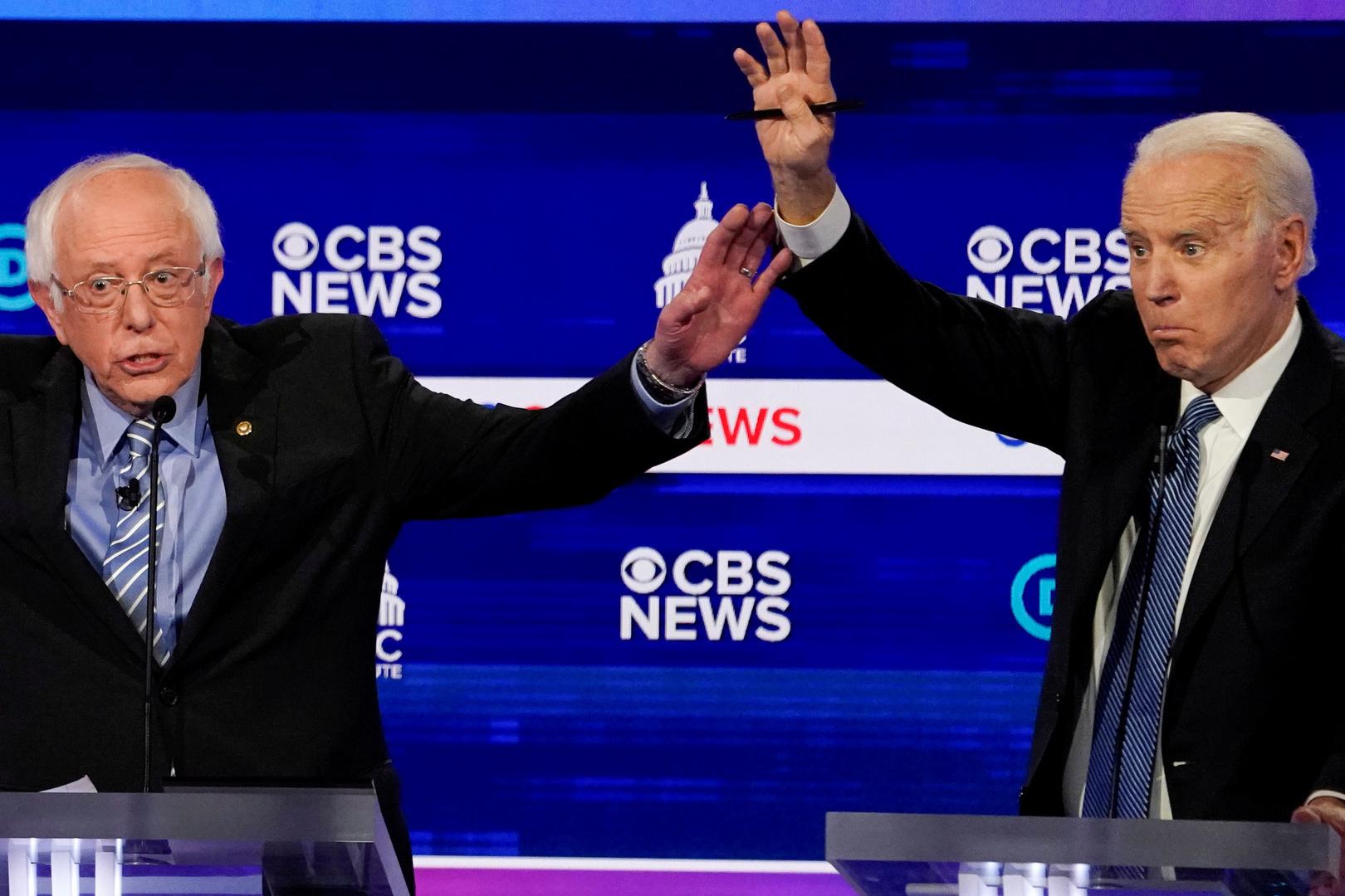 نائب الرئيس الأمريكي السابق، جو بايدن، والسيناتور بيرني ساندرز