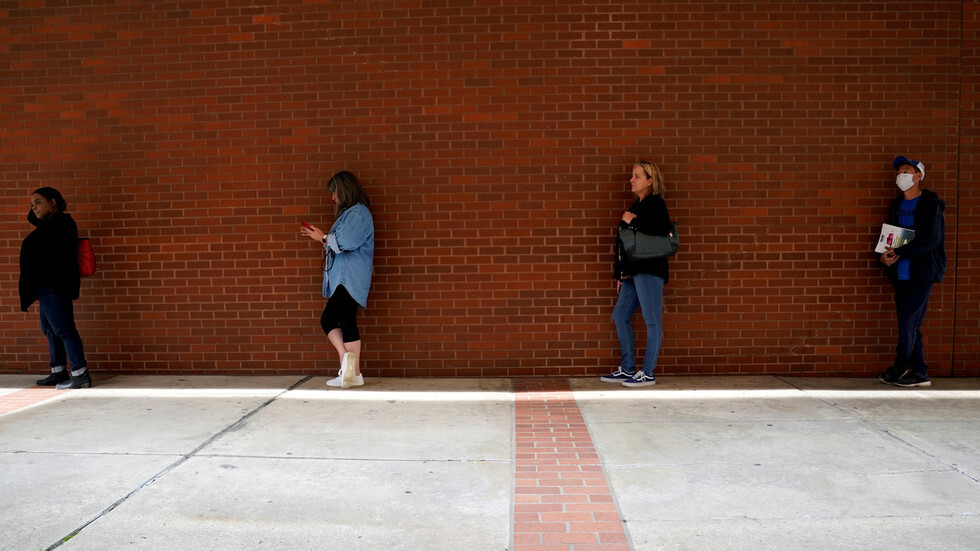 البطالة في الولايات المتحدة تقفز بواقع 6.6 مليون شخص