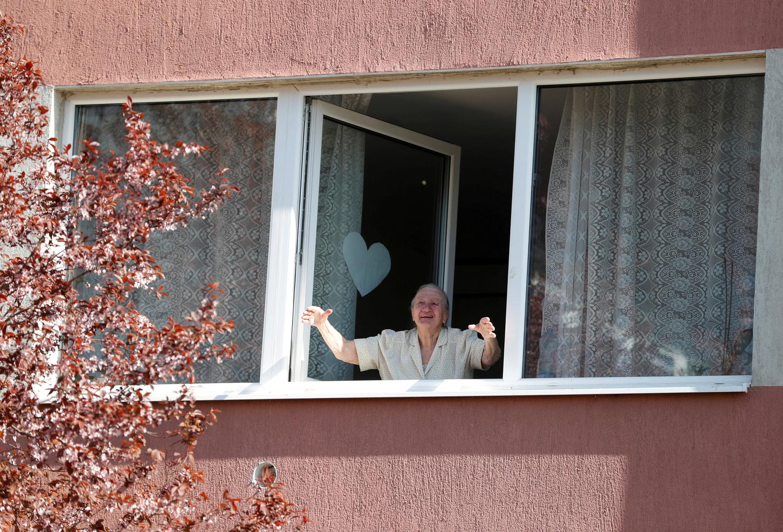 100 إصابة بكورونا داخل دار للمسنين في هنغاريا
