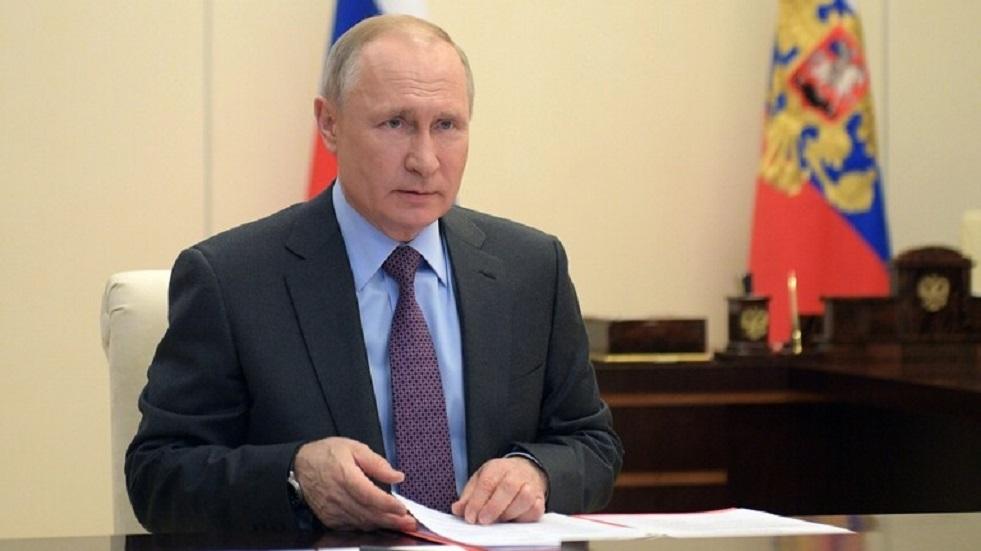بوتين يشيد بالزيادة الحاصلة في تصدير السلاح الروسي