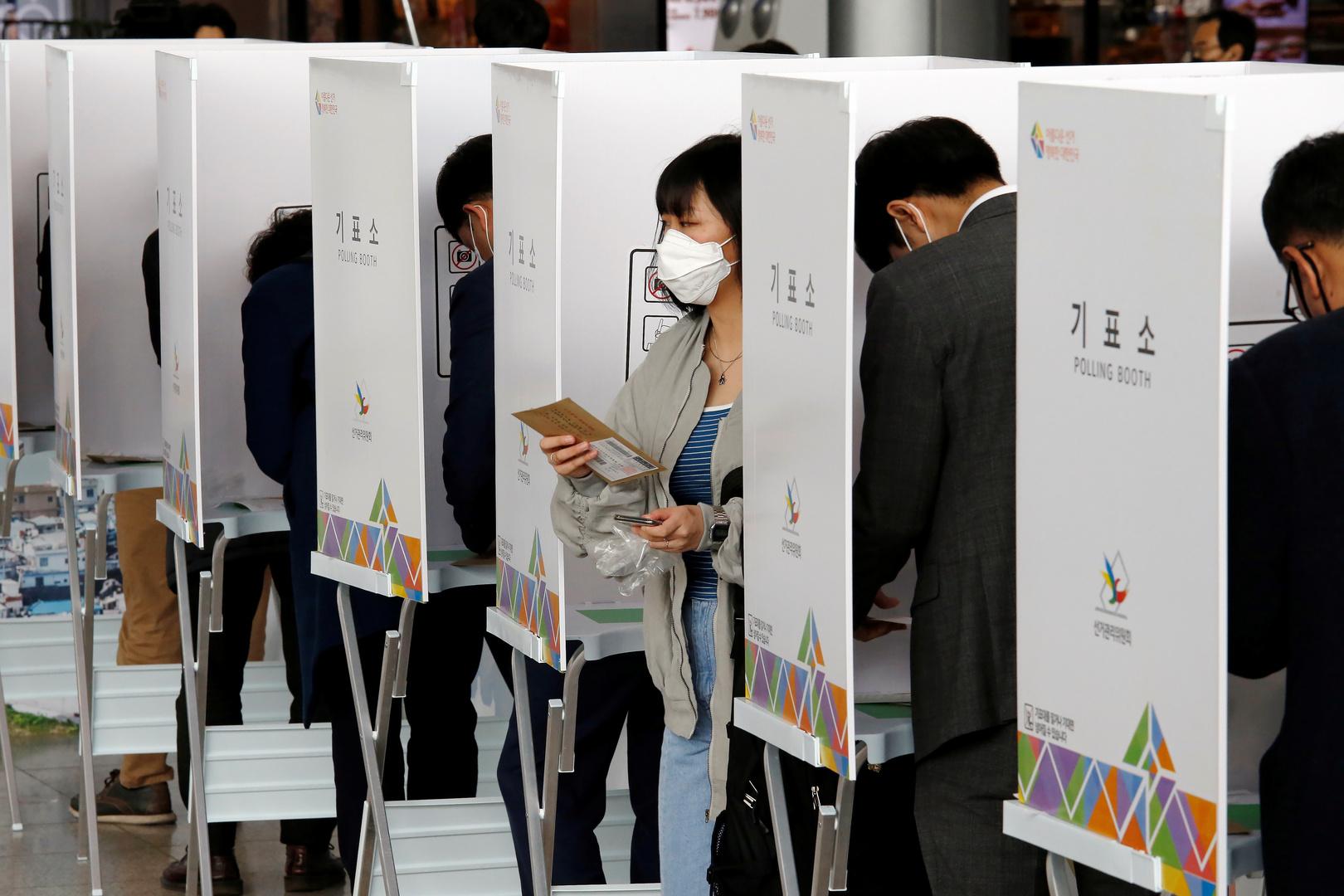 في ظل كورونا.. كوريا الجنوبية تجري انتخابات عامة