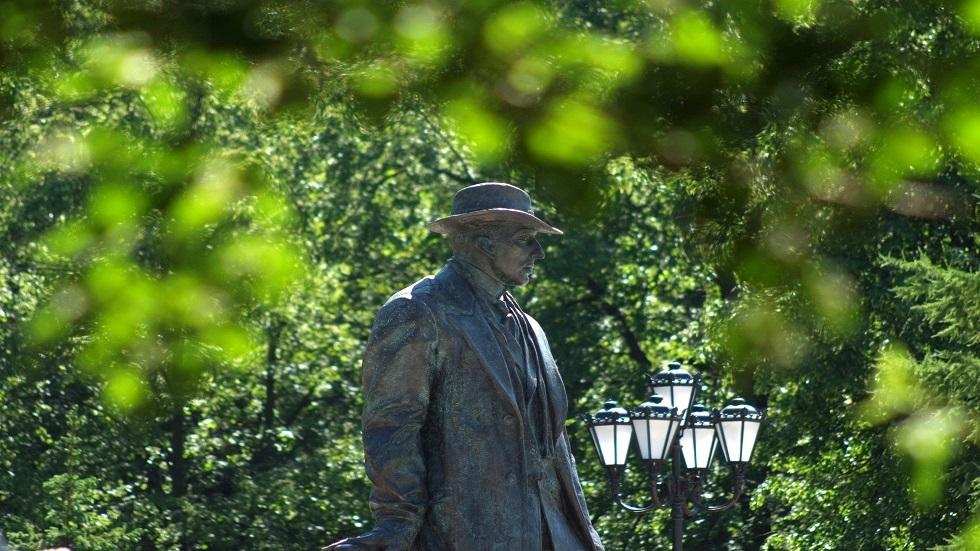 تمثال الموسيقار رخمانينوف