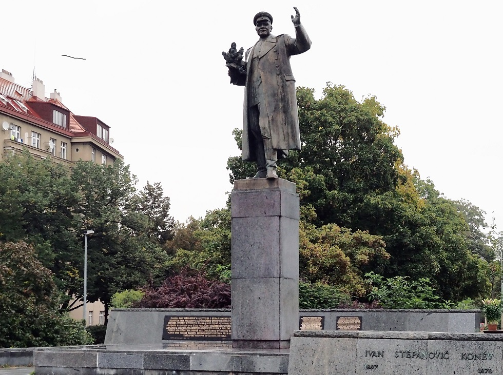 خلاف  روسي تشيكي حول نصب تذكاري ولجنة التحقيق الروسية تتدخل