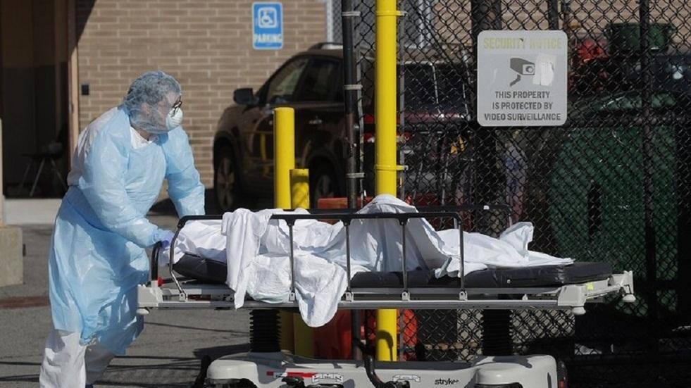 تقرير: وفاة غالبية مرضى كورونا في الولايات المتحدة بعد وضعهم على أجهزة التنفس الصناعي