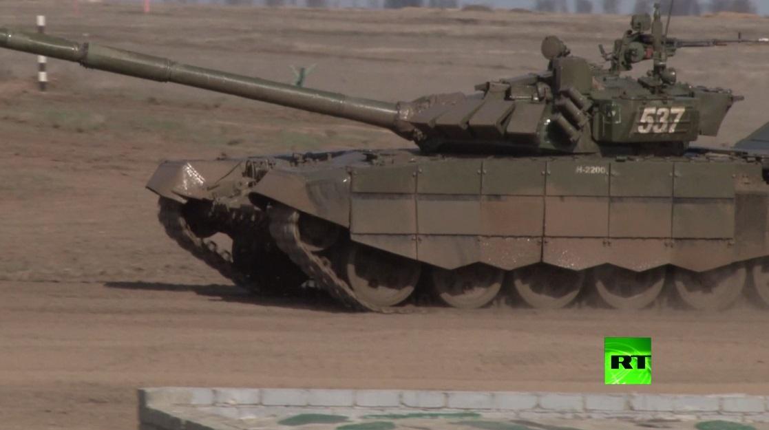 بالفيديو.. مسابقة بياتلون الدبابات في فولغوغراد الروسية