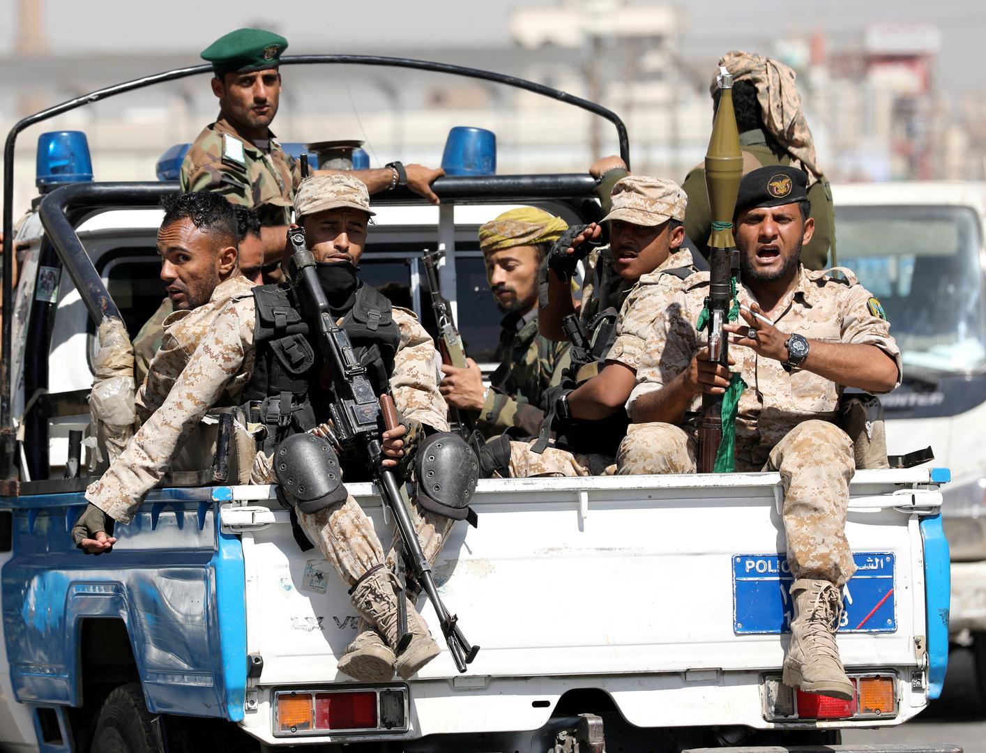 عناصر من القوات المسلحة للحوثيين في اليمن