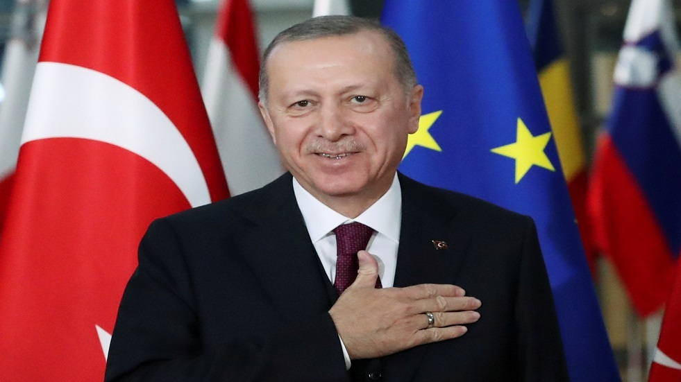 أردوغان يرفض استقالة وزير الداخلية التركي