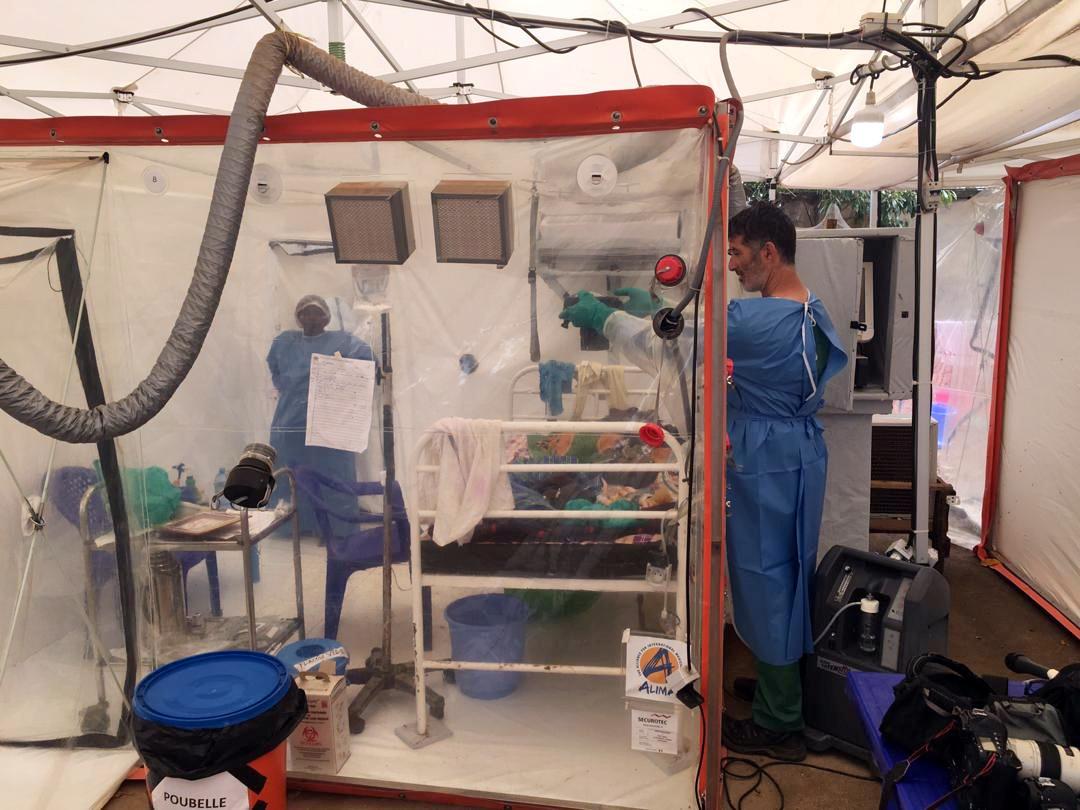وحدة للرعاية البيولوجية الطارئة بمركز ALIMA لعلاج المصابين بفيروس إيبولا في جمهورية الكونغو الديمقراطية