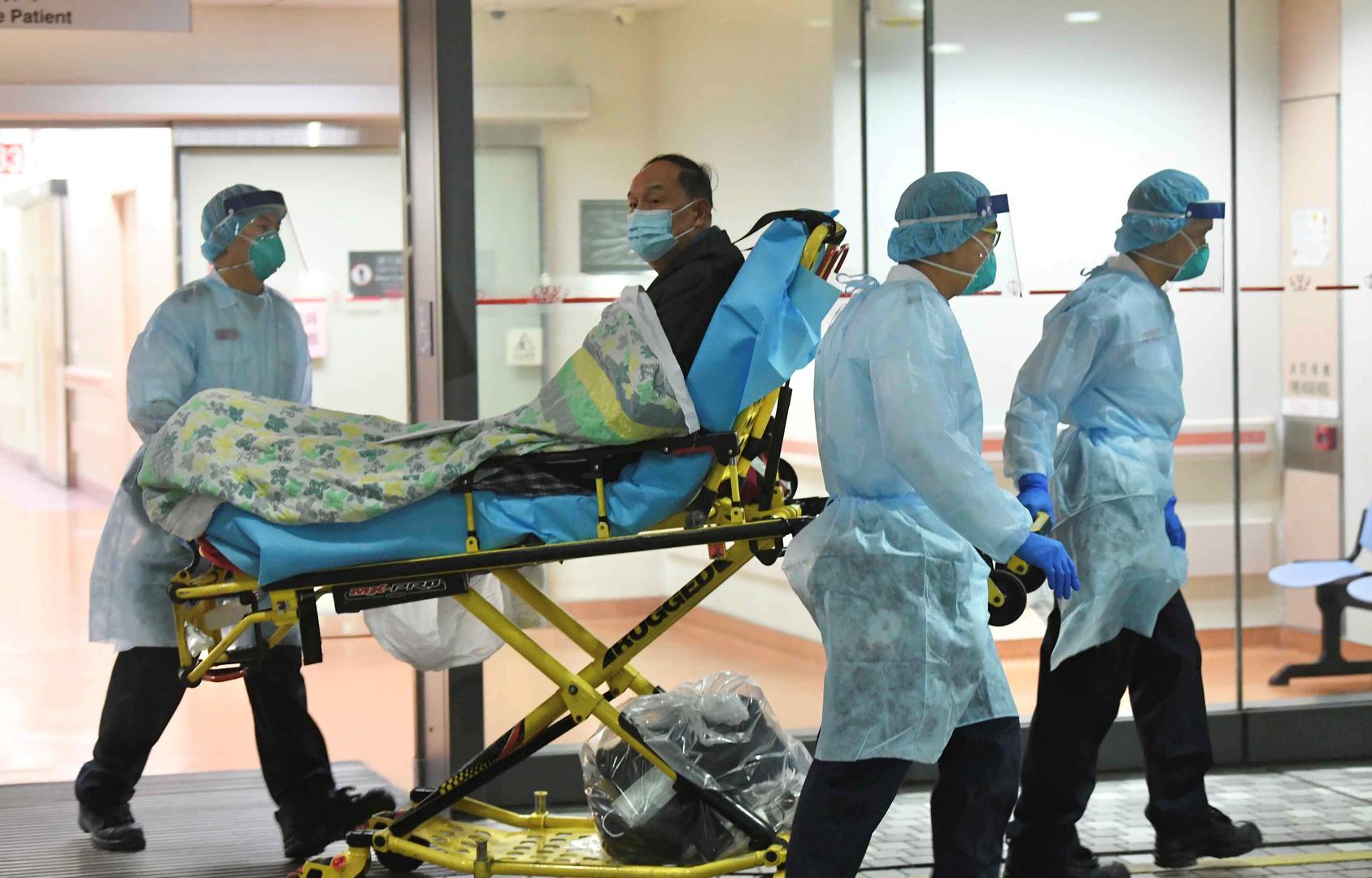 طبيب بريطاني يكشف إصابة نصف طاقم مستشفى في ويلز بالفيروس التاجي - RT Arabic