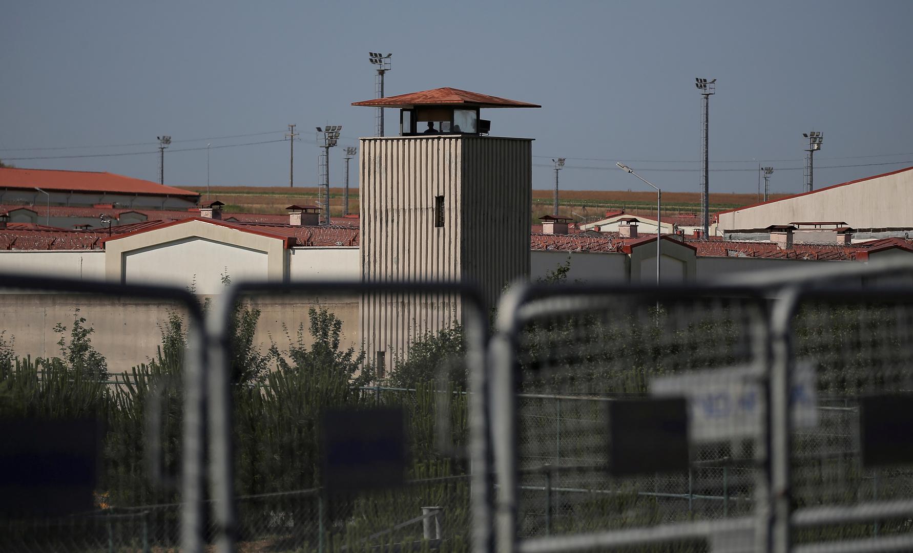 جائحة كورونا تصل إلى سجون تركيا.. تسجيل أول وفيات بالفيروس