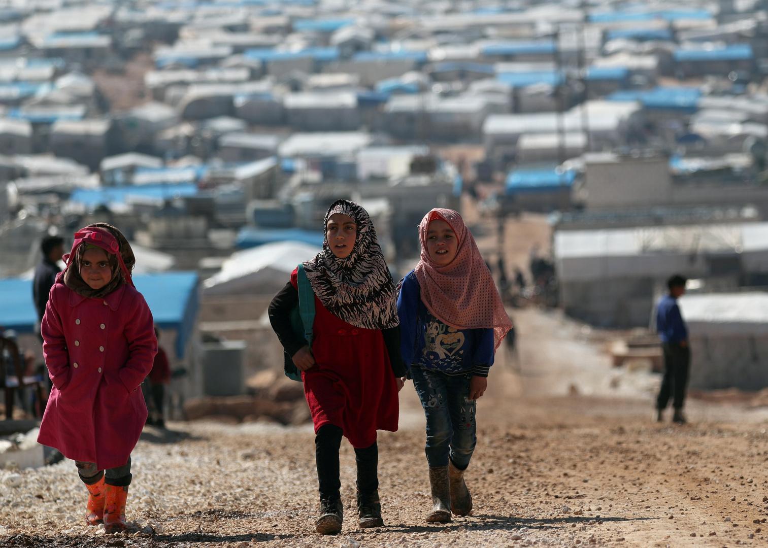 مخيم العتمة للاجئين السوريين بالقرب من الحدود السورية التركية