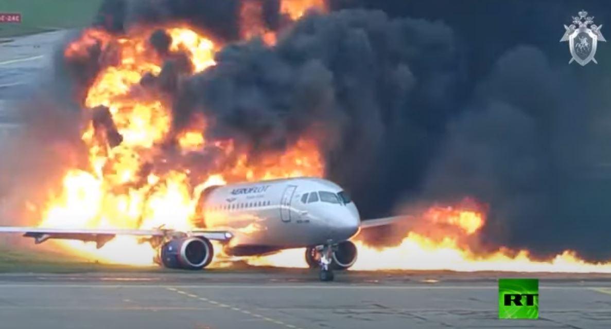 نشر فيديو جديد لكارثة طائرة ركاب في مطار موسكو مايو الماضي