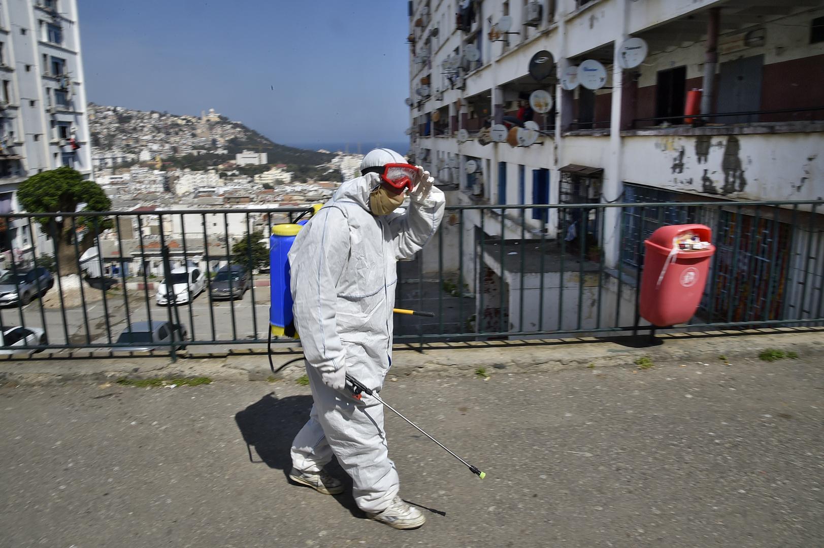 الجزائر.. 90 إصابة و10 وفيات جديدة بفيروس كورونا