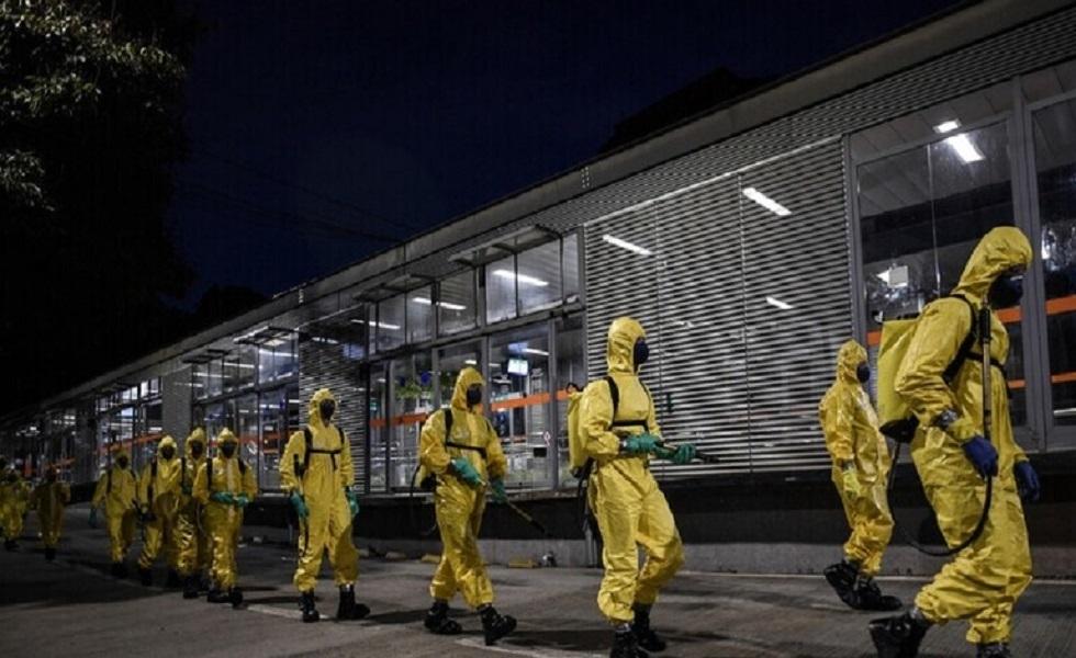رئيس البرازيل يقيل وزير الصحة ويدعو إلى إعادة فتح الاقتصاد