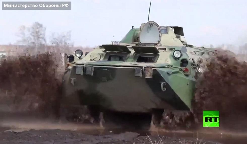 بالفيديو.. طلاب مدرسة عسكرية روسية يشاركون في رمايات من المدرعات