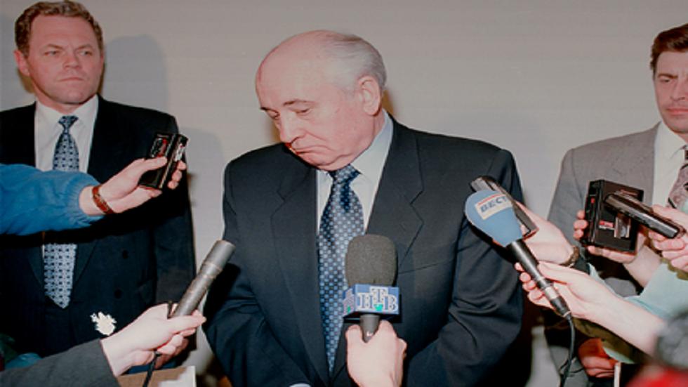 غورباتشوف يعثر على المذنب بإيقاف البيريسترويكا وانهيار الاتحاد السوفييتي