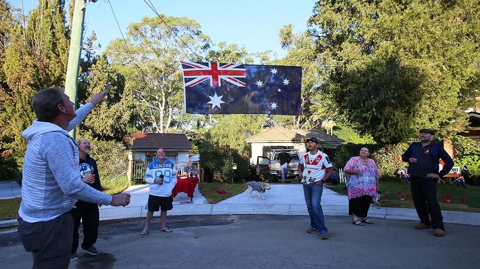 أستراليا تسجل أدنى عدد إصابات بكورونا منذ مطلع مارس ونيوزيلندا تبدأ تخفيف القيود