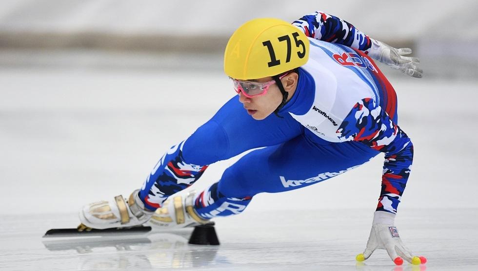 بطل أولمبي روسي من أصول كورية يخرج من مضمار