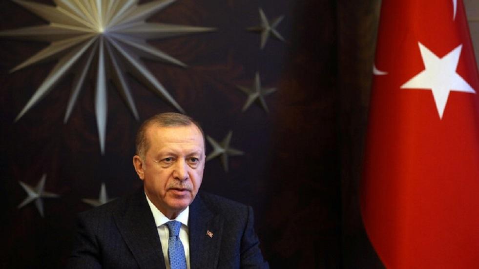 أردوغان يدافع عن مسؤول ربط بين المثليّة والأمراض