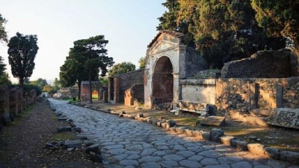 اكتشاف شوارع ومنازل لم يسبق لها مثيل في مدينة بومبي الرومانية القديمة
